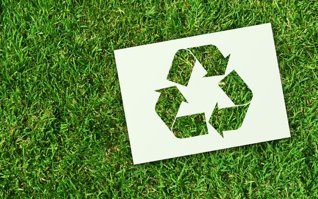 symbole-du-recyclage-main